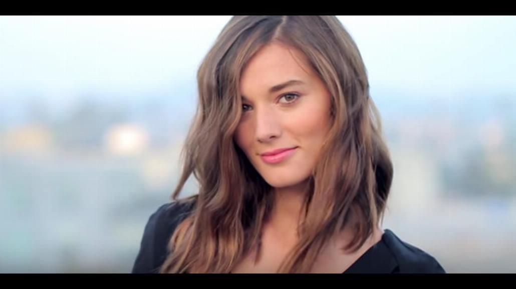 Sombre - nowy hit! Włosy muśnięte słońcem robią furorę [WIDEO]