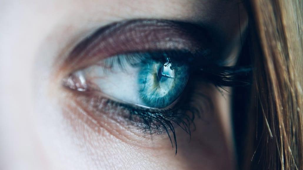 Masz opuchnięte oczy? Odzyskaj piękne spojrzenie!