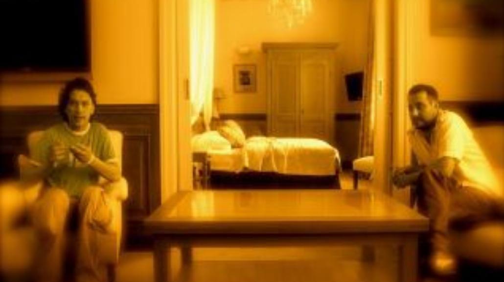 Ad Spectatores gra w hotelowym apartamencie