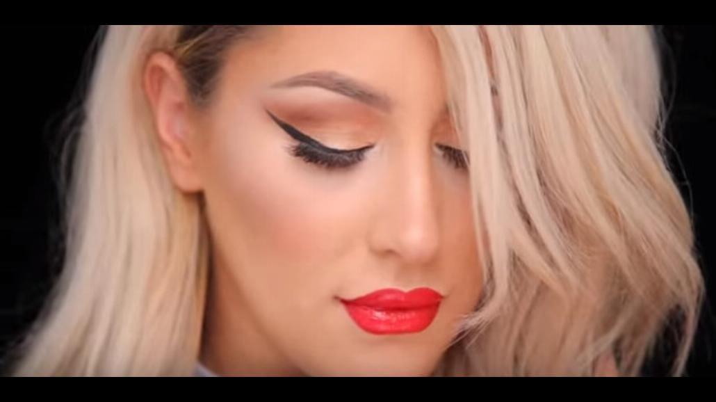 Czerwone usta i look w stylu Carmen. Zobacz najnowsze trendy [WIDEO]