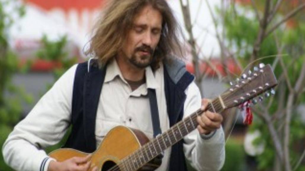 Gienek Loska będzie koncertował na Wyspach