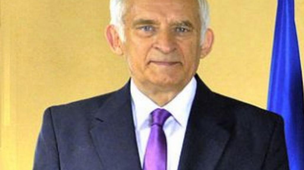 Jerzy Buzek mówi do młodych