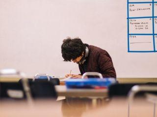 Trudniejsza Matura 2023. Zmiany w zasadach zdawania egzaminu dojrzałości - Egzamin Maturalny Zmiany rozszerzenia w 2023 minimalny wynik wymagania progi zdawalności 30%