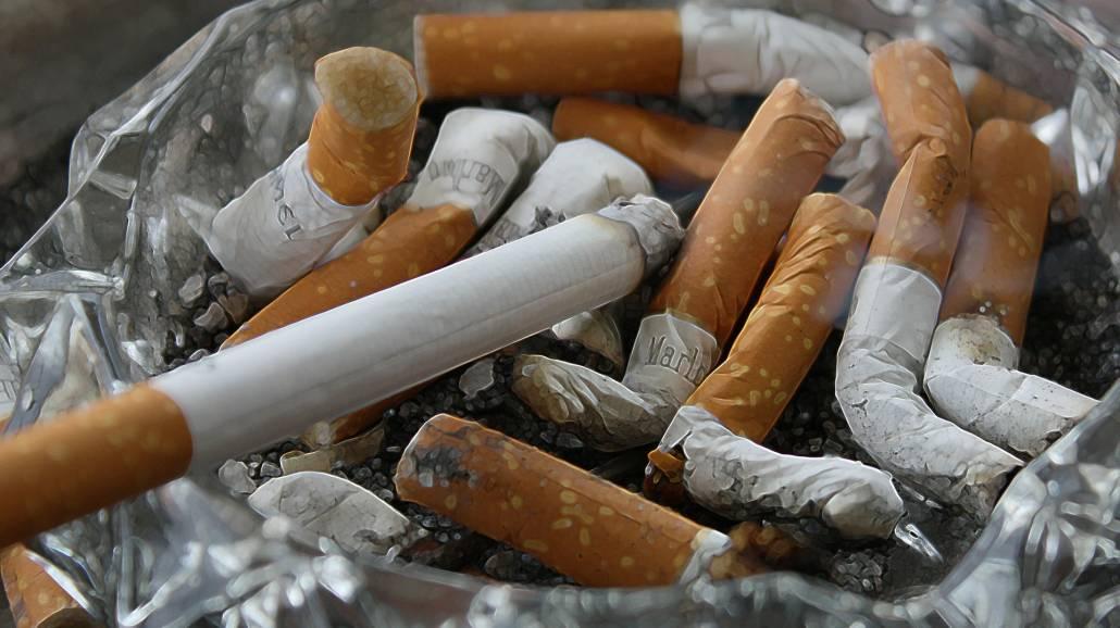 Z nałogiem papierosowym zmaga się duÅźa część. Jak skończyć z uporczywym uzaleÅźnieniem?