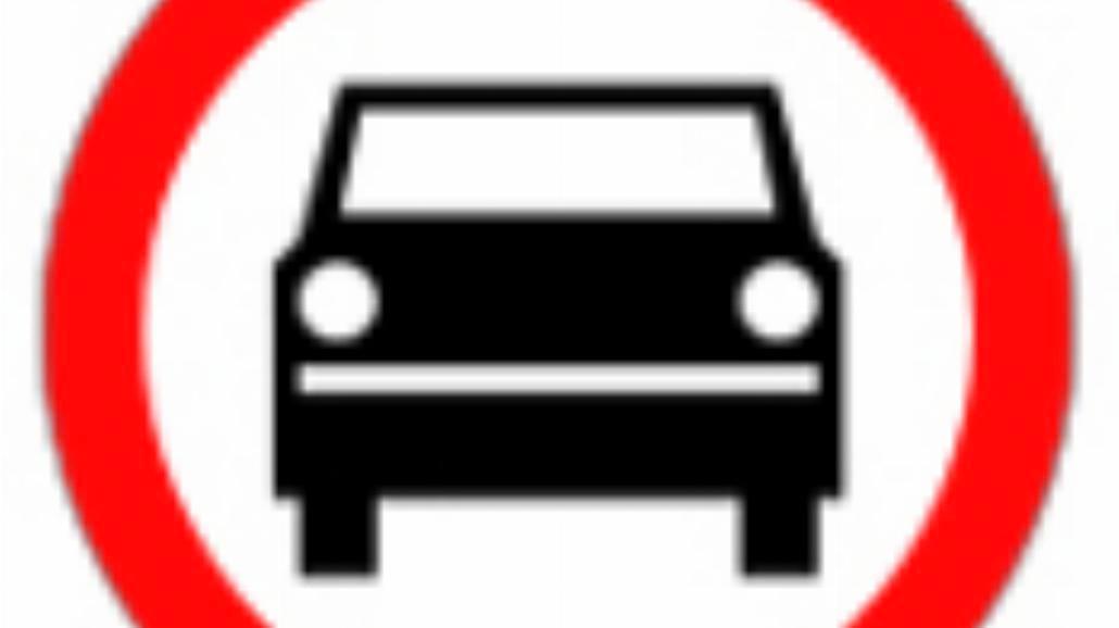 """B-3 """"zakaz wjazdu pojazdów silnikowych, z wyjątkie"""