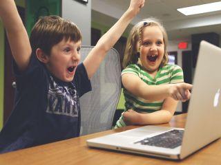 SELFIE -  zaprezentowano narzędzie wspierające nowe technologie w szkołach - SELFIE, nowe narzędzie wspierające edukację cyfrową, szkoła, nowe technologie