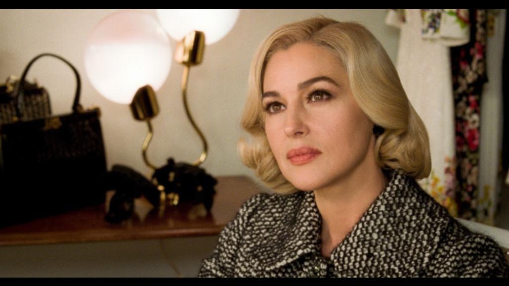 "Monica Bellucci niczym Marilyn Monroe w filmie ""Noc w Ville-Marie"" [WIDEO]"