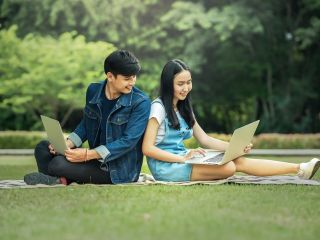 Studiowanie dwóch kierunków - wady i zalety - dwa kierunki studiów jednocześnie, studiowanie dwóch kierunków dziennie, plany się nakładają