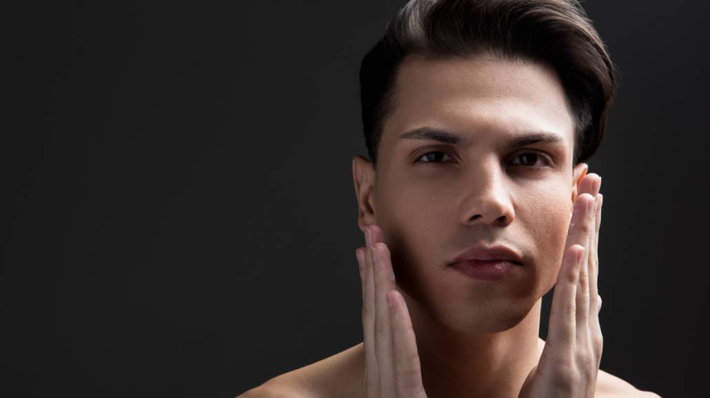 Męskie oczyszczanie twarzy tylko z L'Oréal Pure Power. Przekonaj się dlaczego!