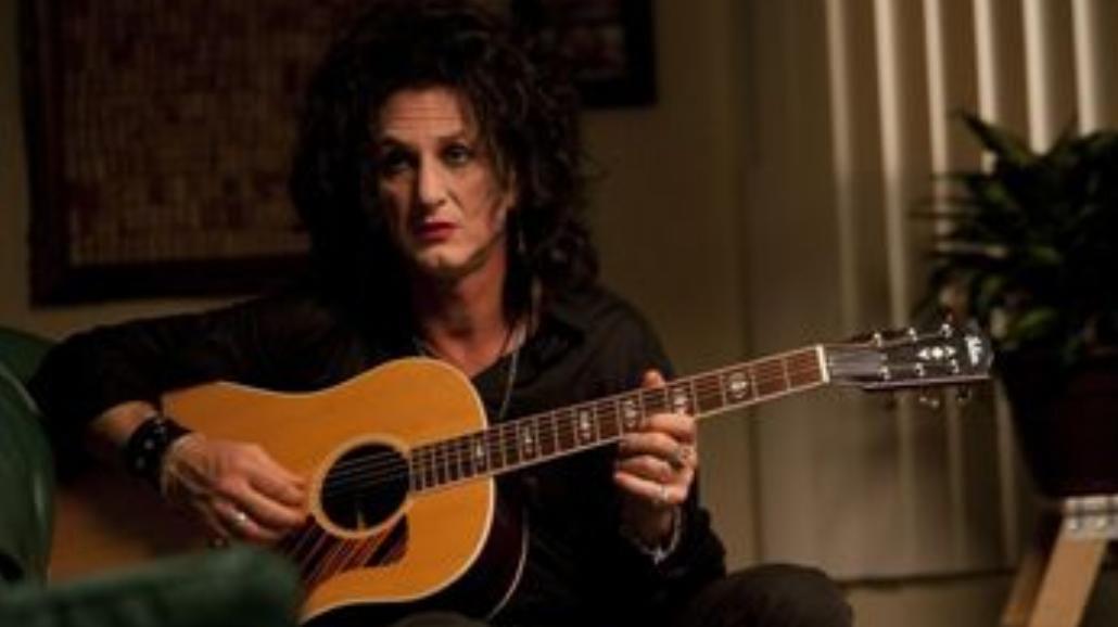 Uszminkowany Sean Penn nagrodzony!