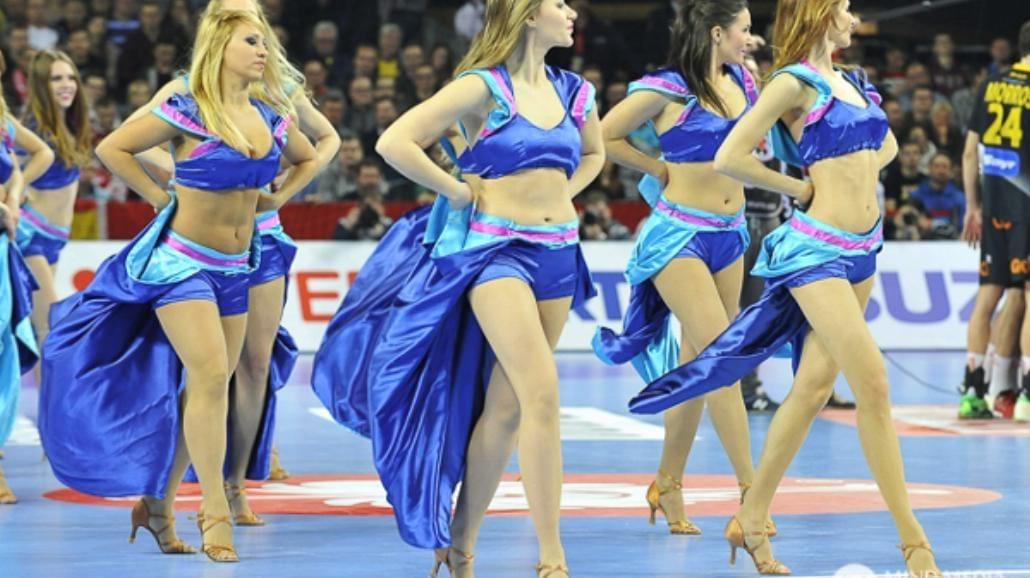 Cheerleaders Wrocław bawią kibiców piłki ręcznej! [FOTO]