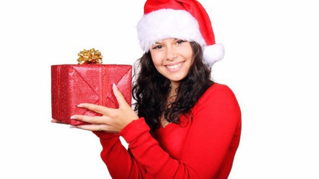 Świąteczne prezenty w studenckim budżecie [WIDEO]